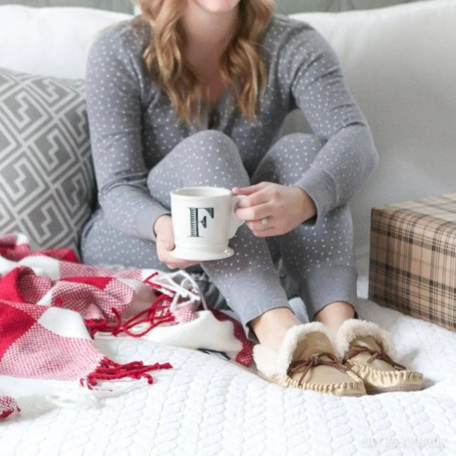 casey-bed-christmas-coffee