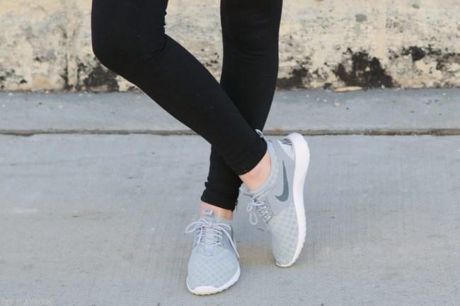 athleisure_nike-gymshoe-grey