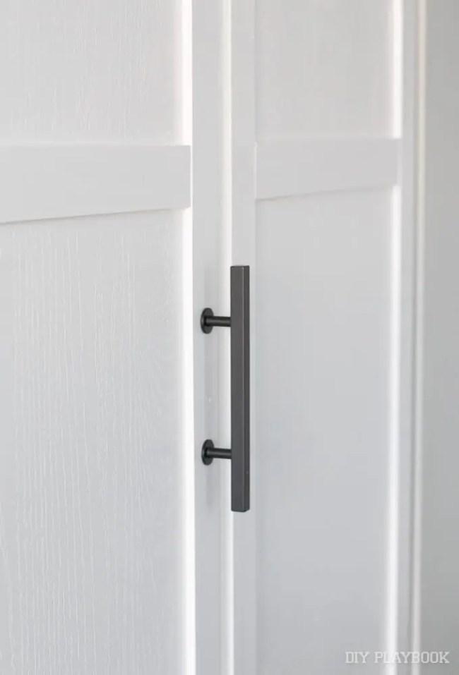 black-closet-handles