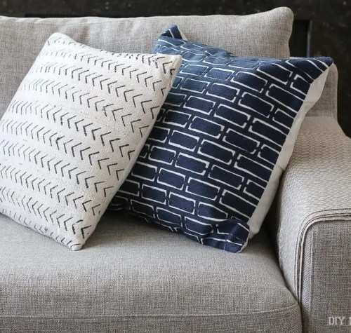 couch-pillows