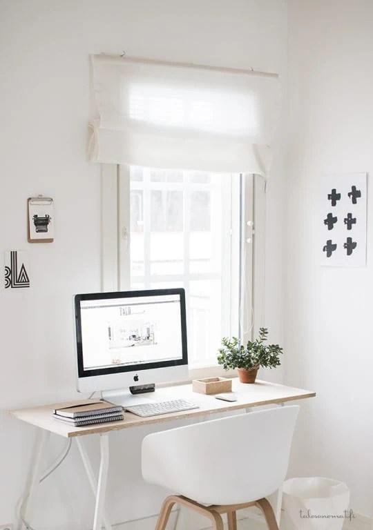 minimal_desk