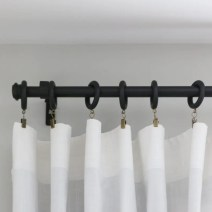 zillow_how_to_hang_curtains-12