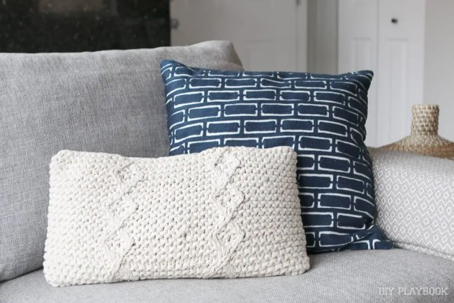 couch-throw-pillows-1