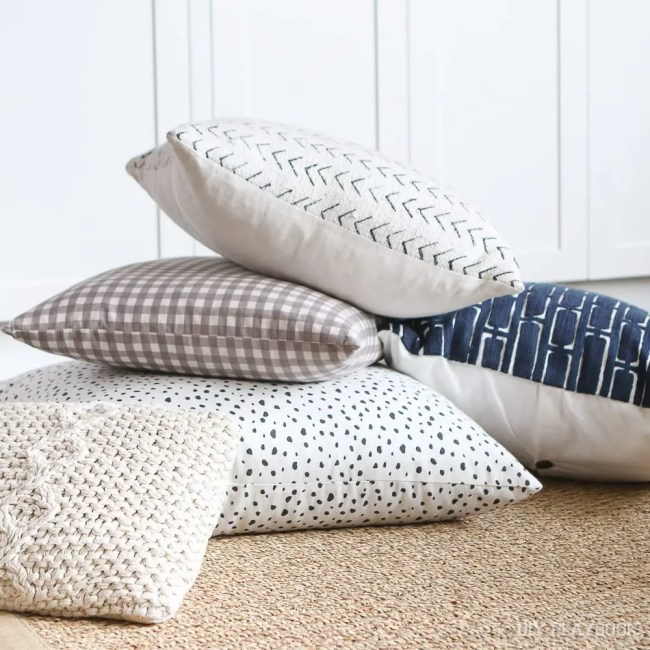 couch-throw-pillows-4