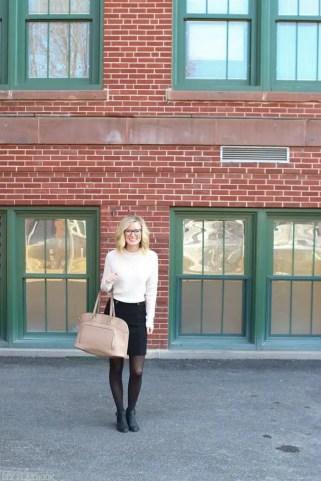 teacher-fashion-sweater-skirt-bridget
