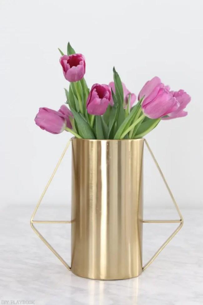 How-to-arrange-tulips-4