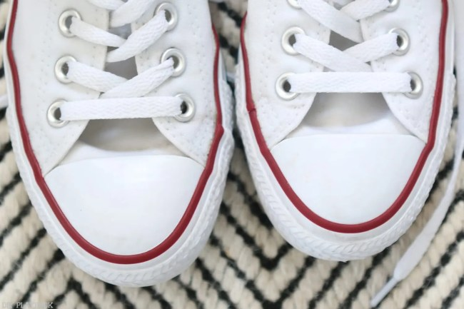 How_to_clean_Converse_Gymshoes-7