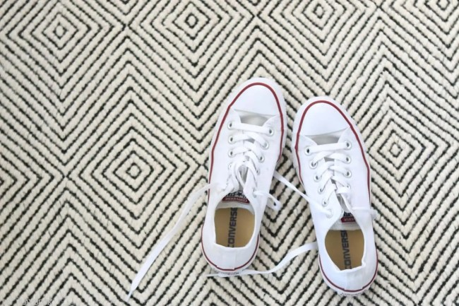 How_to_clean_Converse_Gymshoes-9