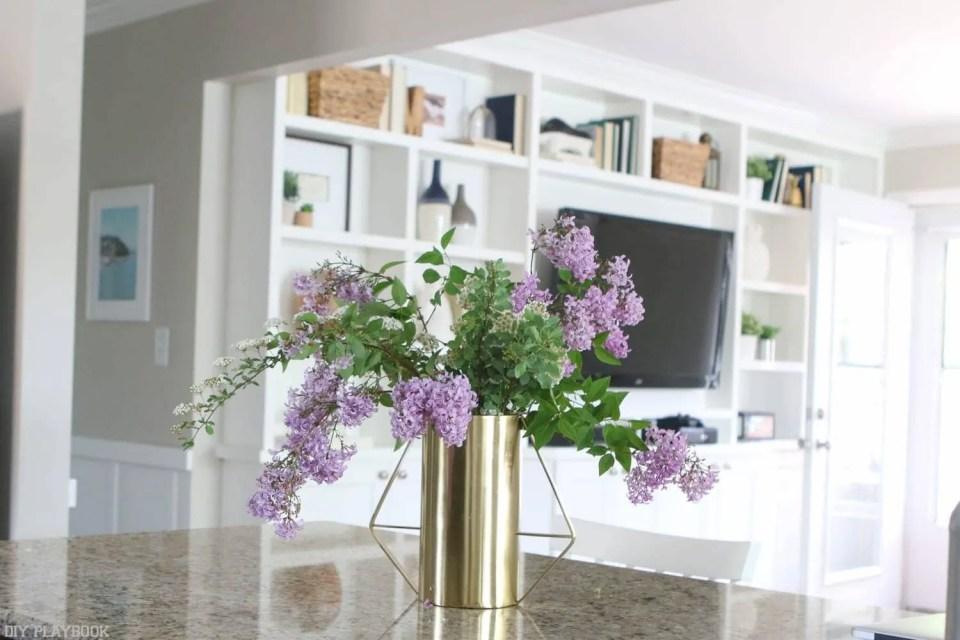 lilacs-gold-vase-built-ins
