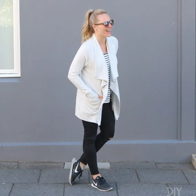 Travel_Iceland-casey-sweater-gymshoes