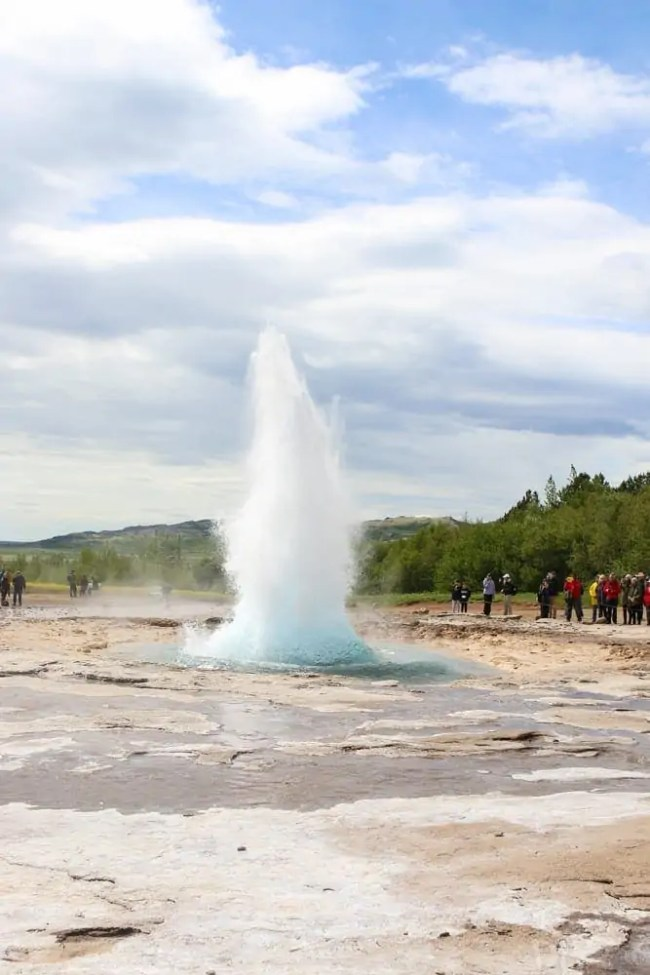 Travel_Iceland-shooting-geysir