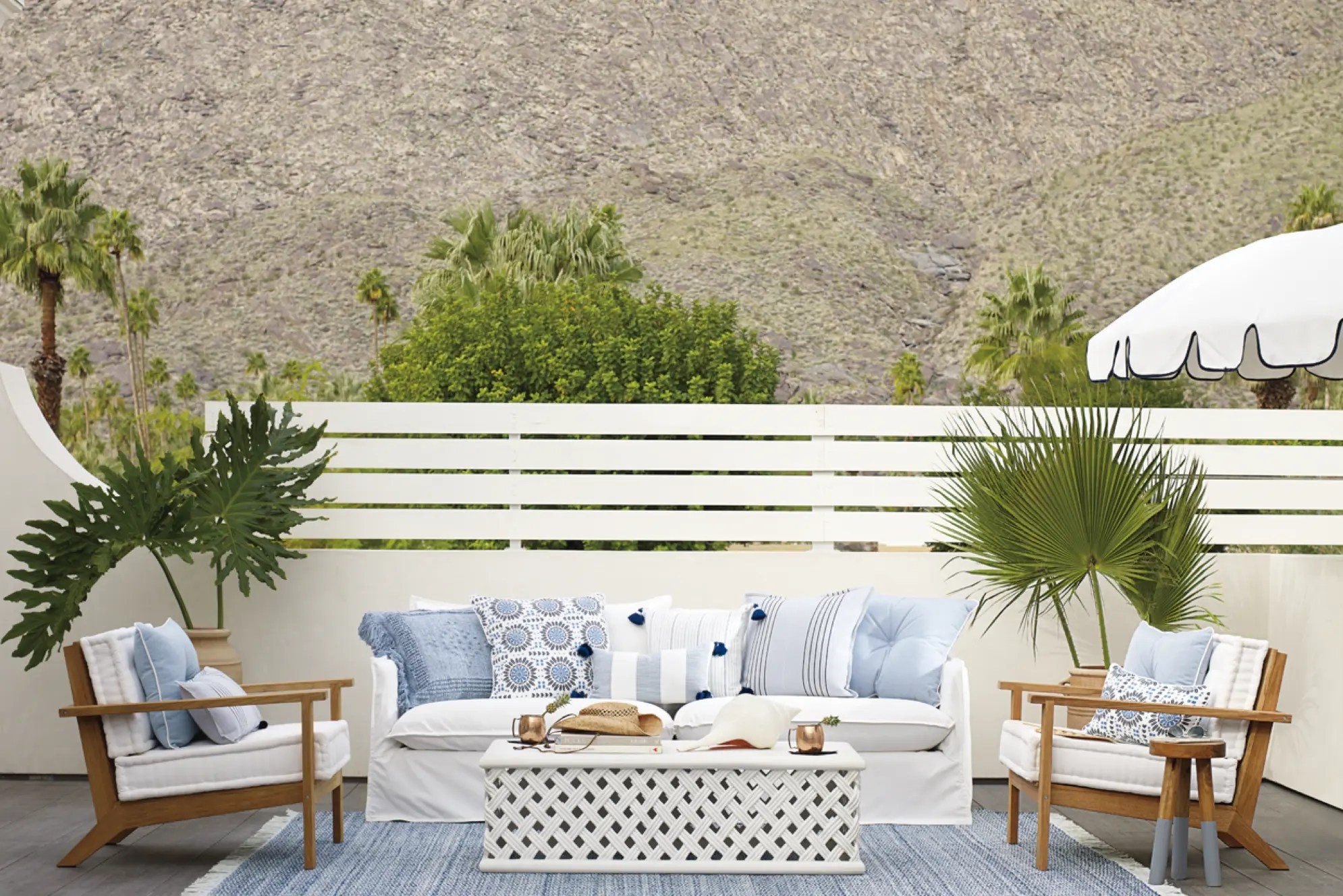 patio furniture layout for a large deck