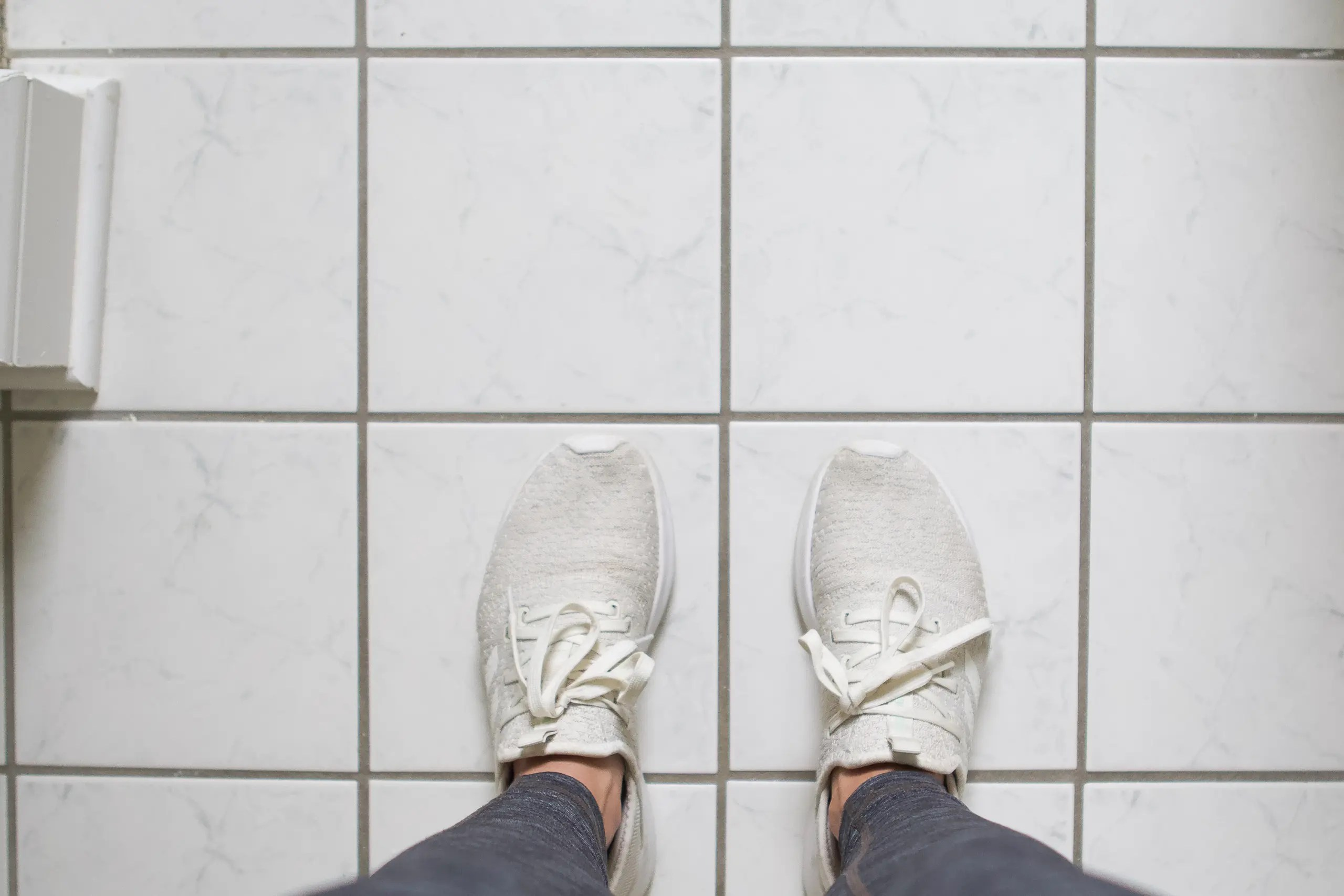 how to stencil and paint tile floors