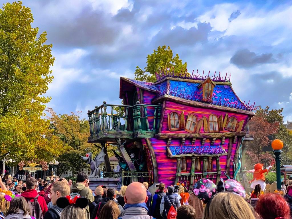 Disneyland Paris Halloween Mickey's Illusion Manor