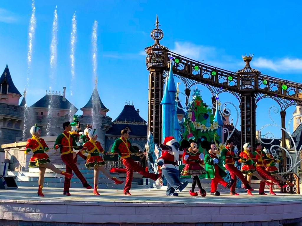 Disneys Enchanted Christmas Stitchmas