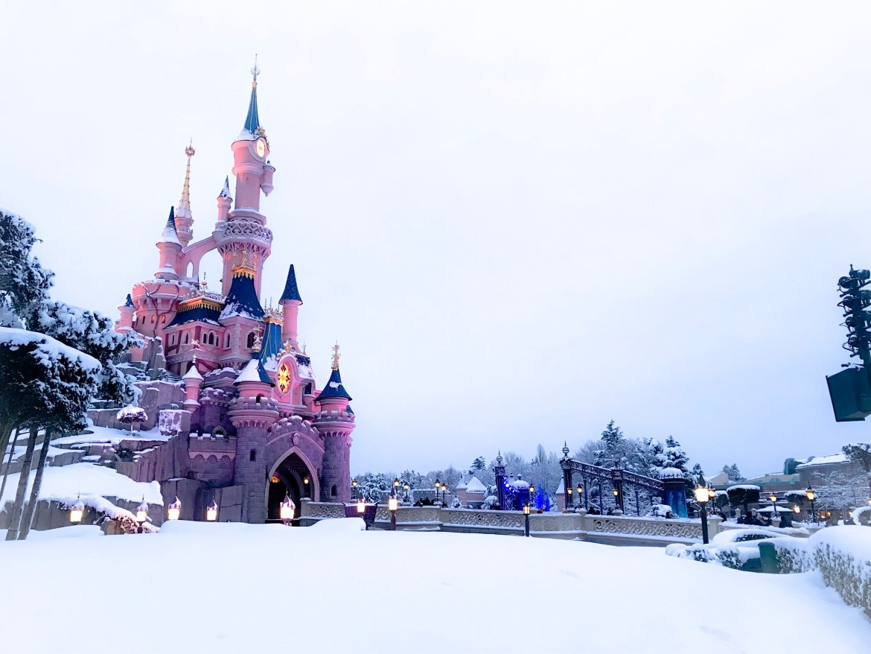 Disneyland Paris 2018 snow
