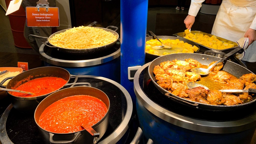 La Cantina and its selection of pasta and chicken