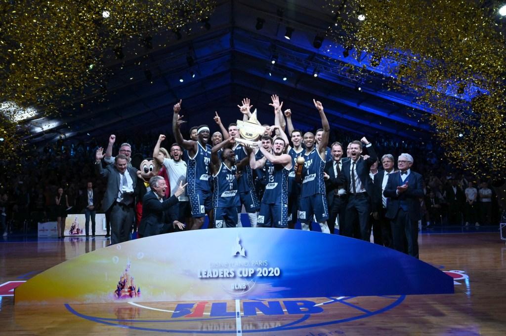 Dijon celebrating winning the Disneyland Paris Leaders Cup 2020 in the Disney Events Area