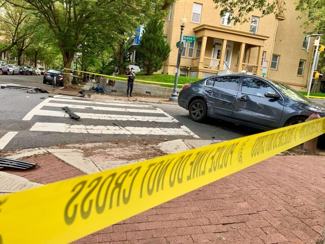 2 children, 2 adults hit by car in Northwest DC