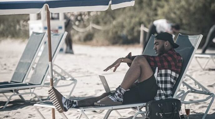 Celebrity Photographer Tevin Towns Spotted in the 305… What Does He Have Coming Next?