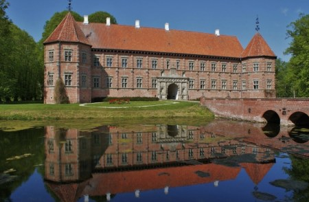 Voergaard Castle, North Jutland, Denmark. Image source: www.pinterest.com