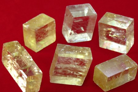 Selection of several types of calcites, transparent carbonate minerals. Image source: www.pixabay.com