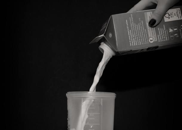 black-and-white-milk-carton-milk-theme-cooking-76404