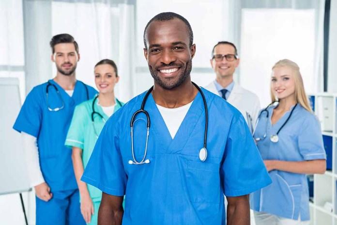Group of doctors & nurses 1000 x 667