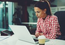 young woman in front of laptop 770 x 513