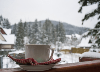 Teacup on deck in snow 974 x 650
