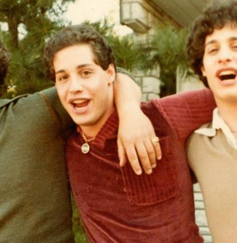 85 – Talking Directing and Development with Three Identical Strangers director, Tim Wardle