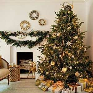 decorated-christmas-trees-2012-gold1