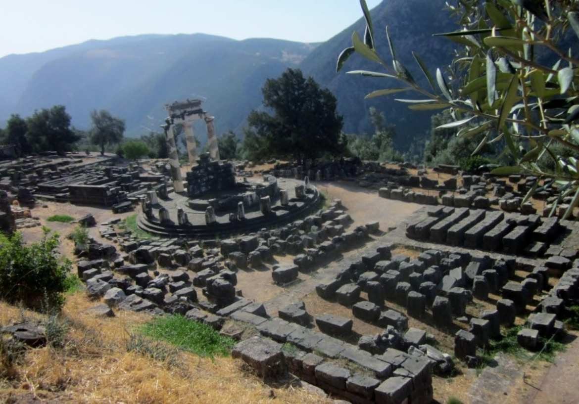 "#AtoZChallenge: ""D"" is for DELPHI"