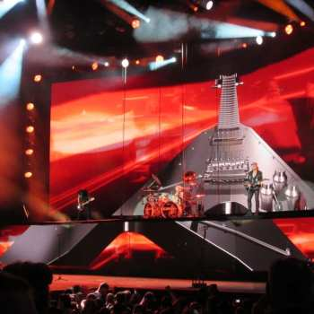 Rock chick Ramblings: Scorpions stage set