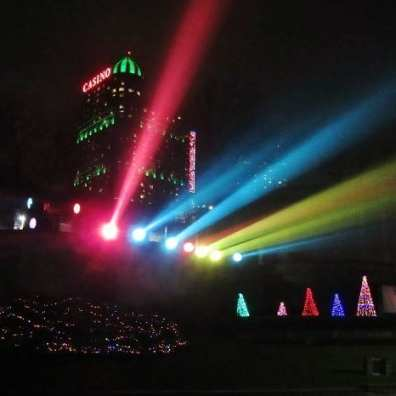 Spotlights, Niagara Falls Festival of Lights. 2015 Retrospective, The Doglady's Den