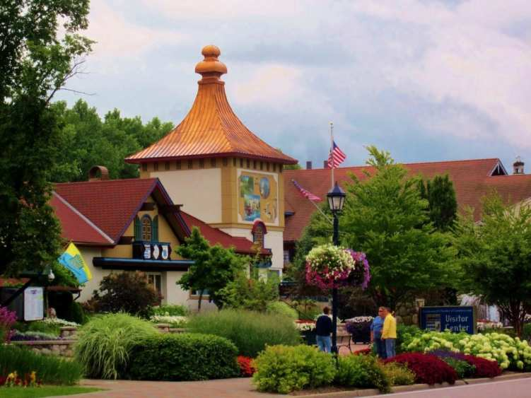 Frankenmuth town centre, SATURATION | PHOTO FRIDAY