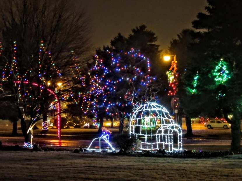 outdoor lights, Bronner's