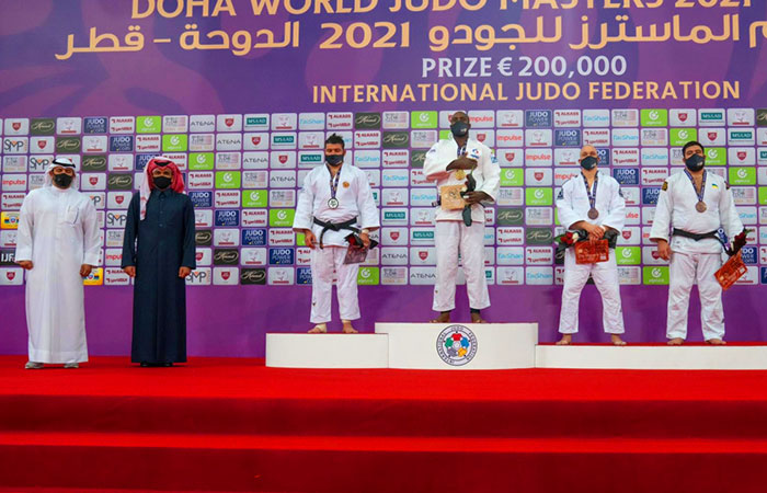 Sheikh Joaan crowns the winners of the Judo Masters