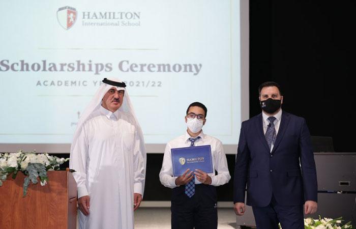 The Hamilton International School announces two scholarship winners