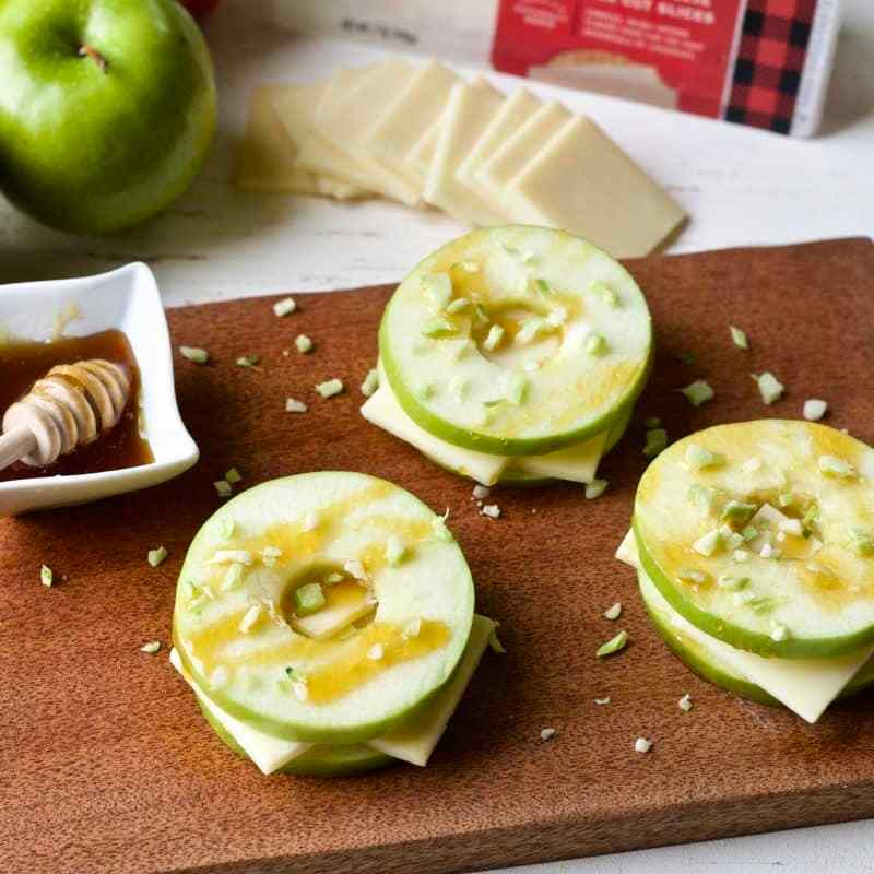 cheddar apple sandwiches with broccoli sprinkles1
