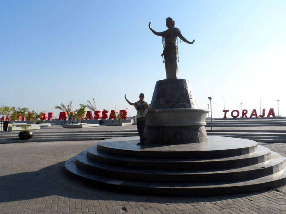 Statue in Makassar