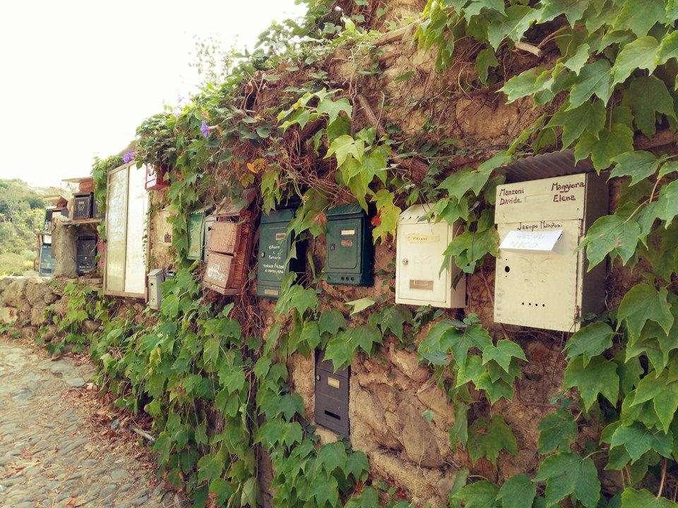 Briefkästen in Bussana Vecchia