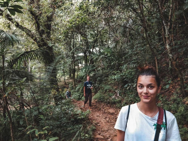 Dorie beim Aufstieg nach Wae Rebo