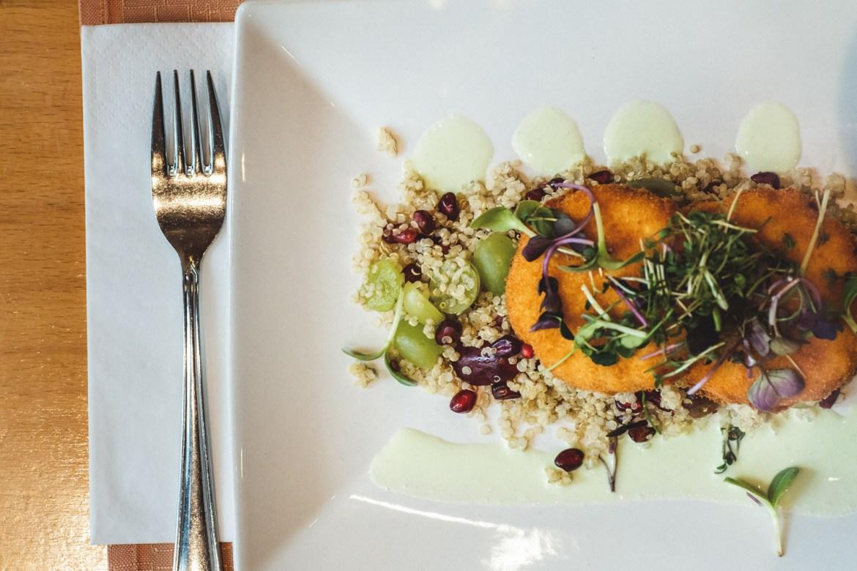 Essen im Restaurant Inigo