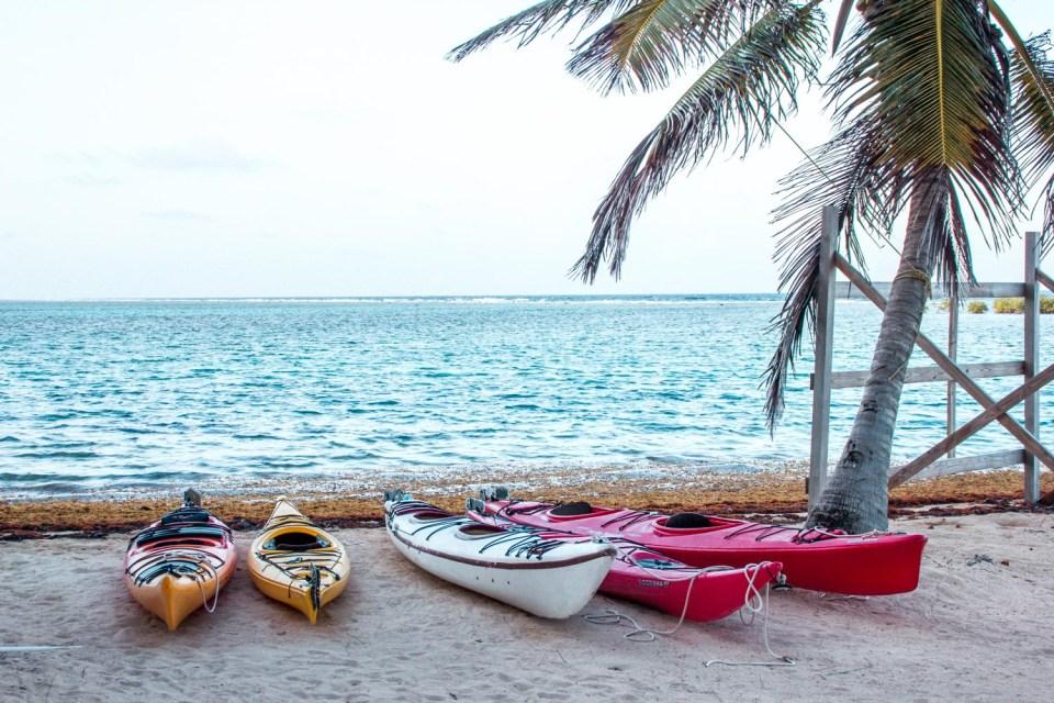 Kayaken auf Tobacco Caye