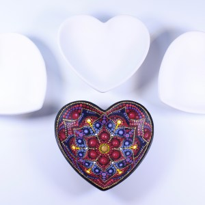 4″ Ceramic Heart Bowl Unpainted