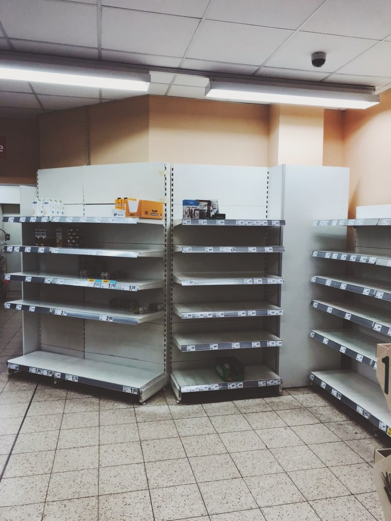 empty supermarket shelves berlin