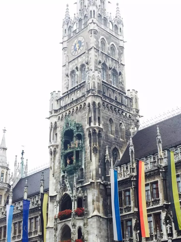If you only have 24 hours to spend in Munich, the capital of Bavaria, make it count. Here are the best travel tips and things to do in Germany from food to photography spots and day trips from Munich. Experience Oktoberfest year-round at a beer garden, check out the architecture and cafes in Marienplatz and viktualienmarkt, and visit the famed castle. It's the perfect layover! And even the airport has beer :) #munich #munchen #germany #travel