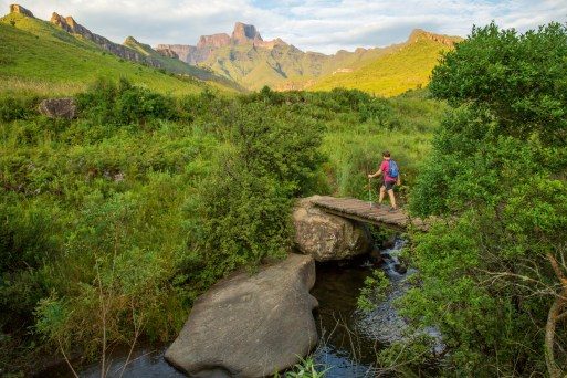 Hiking in the Drakensberg (Source: South African Tourism)