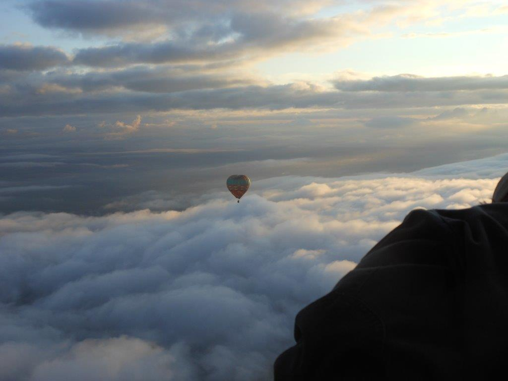 Activities and experiences of the Drakensberg and surrounding area. Hot air ballooning in the Drakensberg